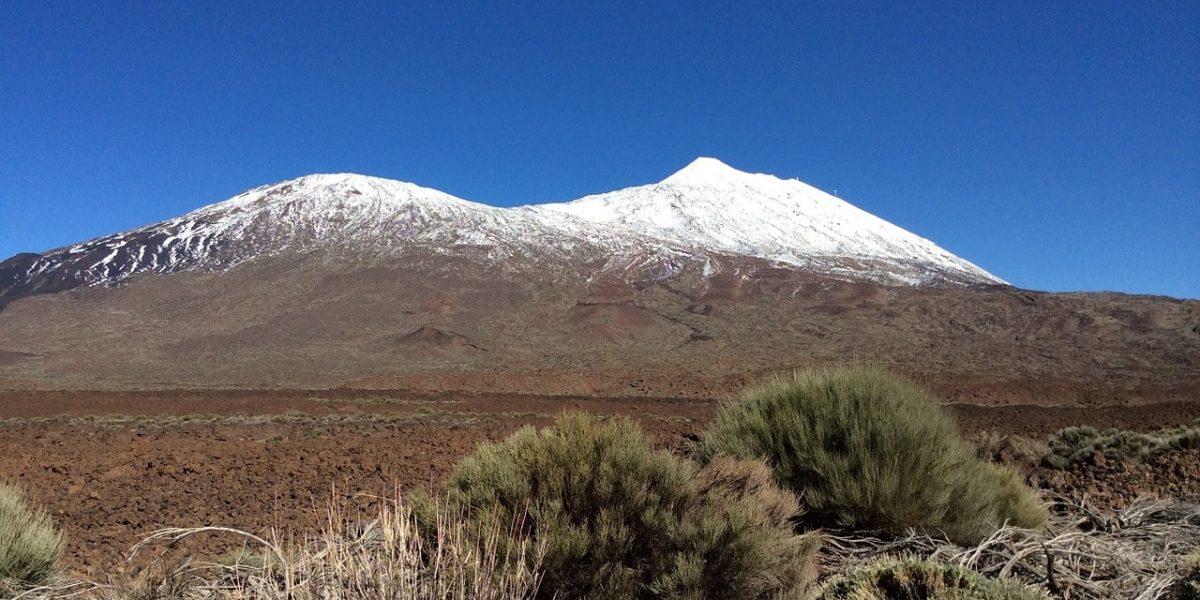 volcano-1146742_1280-min